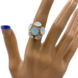 Opal Crystal cocktail ring. Gold plated.